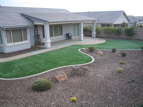 Synthetic grass lawn residential
