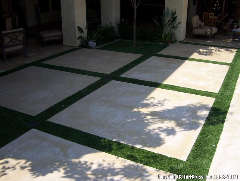 ARTIFICIAL-GRASS-CEMENT-CONCRETE (3)