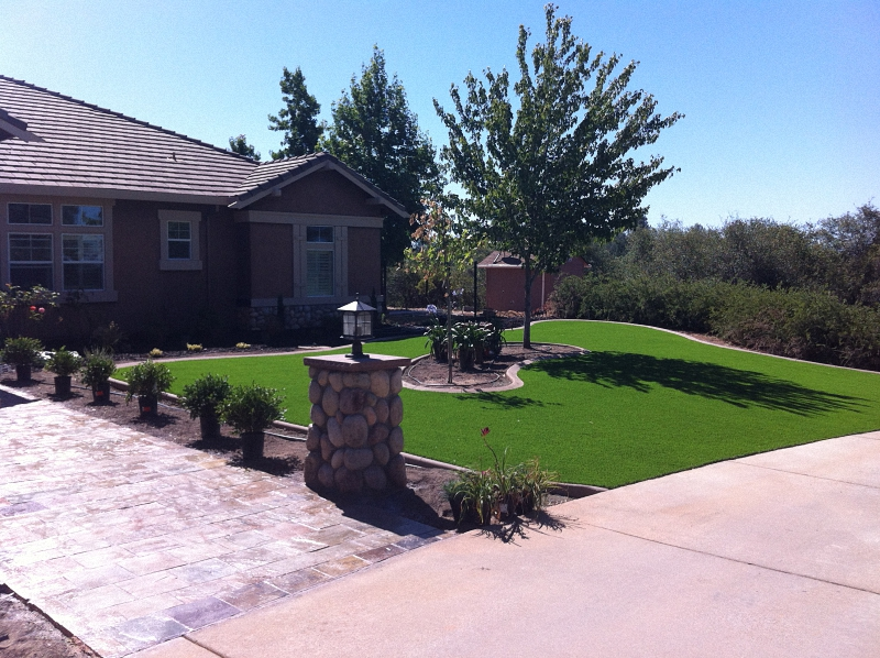 ARTIFICIAL-TURF-GRASS-LAWNS-FRONT (12)