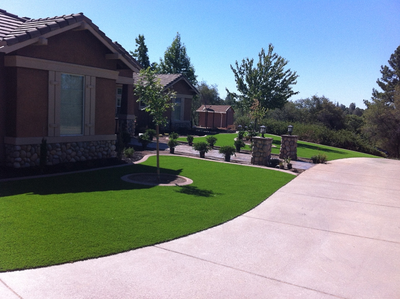 ARTIFICIAL-TURF-GRASS-LAWNS-FRONT (16)