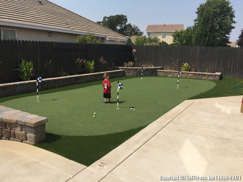 artificial grass turf putting green and lawn