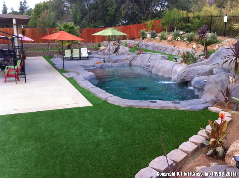 TUFFGRASS POOLSIDE synthetic faux lawn (65)