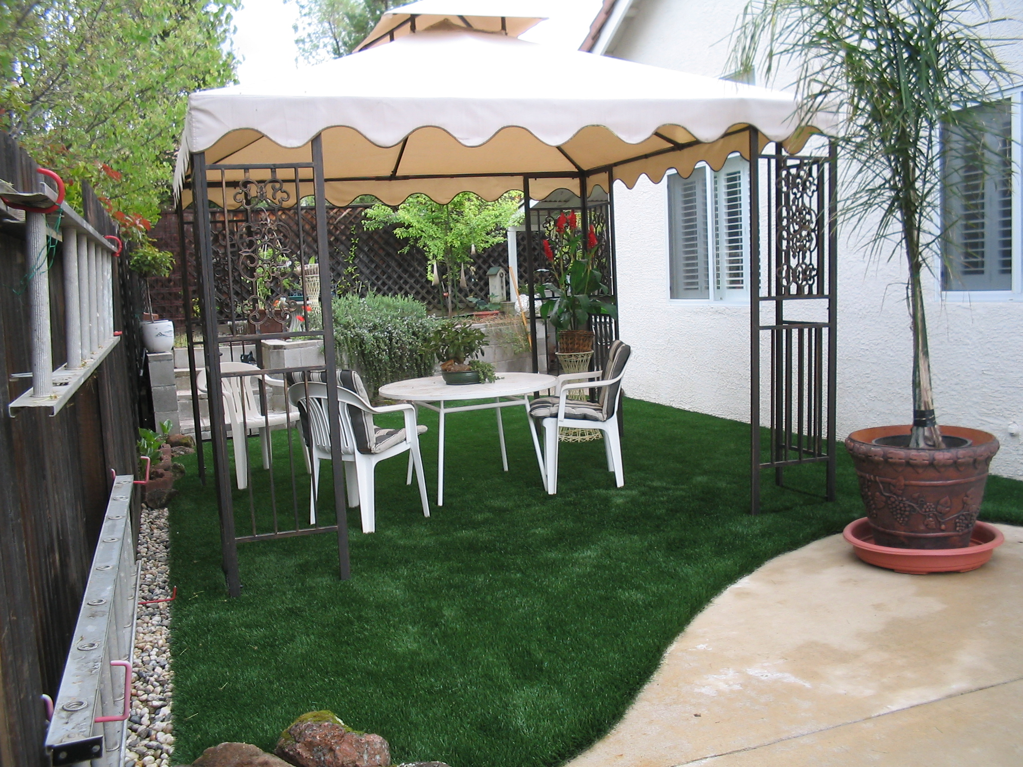 Rv Driveway Sideyard Transformed Into Lush Lawn Patio