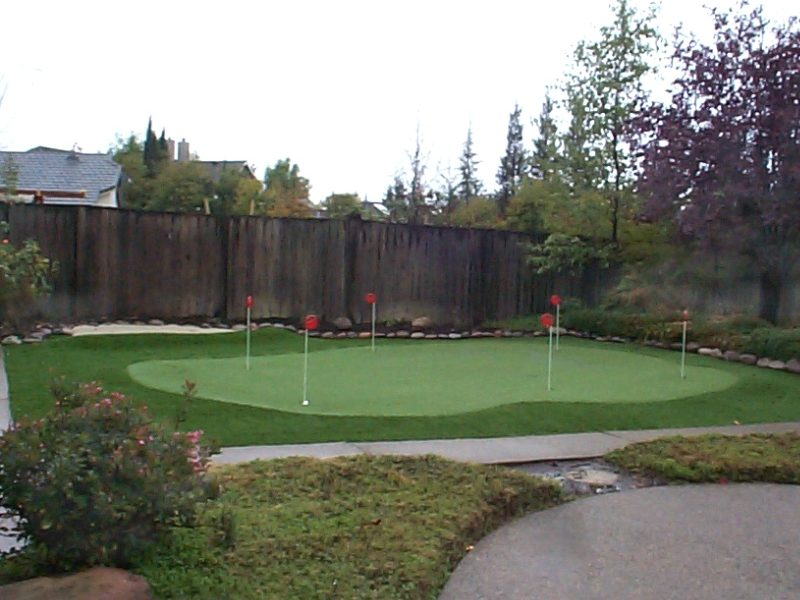 Artificial-turf-grass-putting-green A3