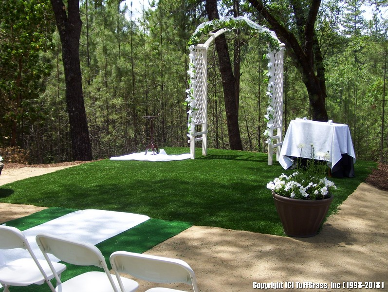 Artificial-turf-grass-wedding 1